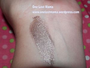 Swatch of Metallic Cream Eyeshadow with Flash